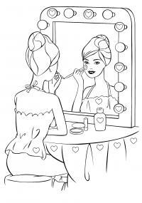Барби наносит макияж Раскраски для девочек бесплатно
