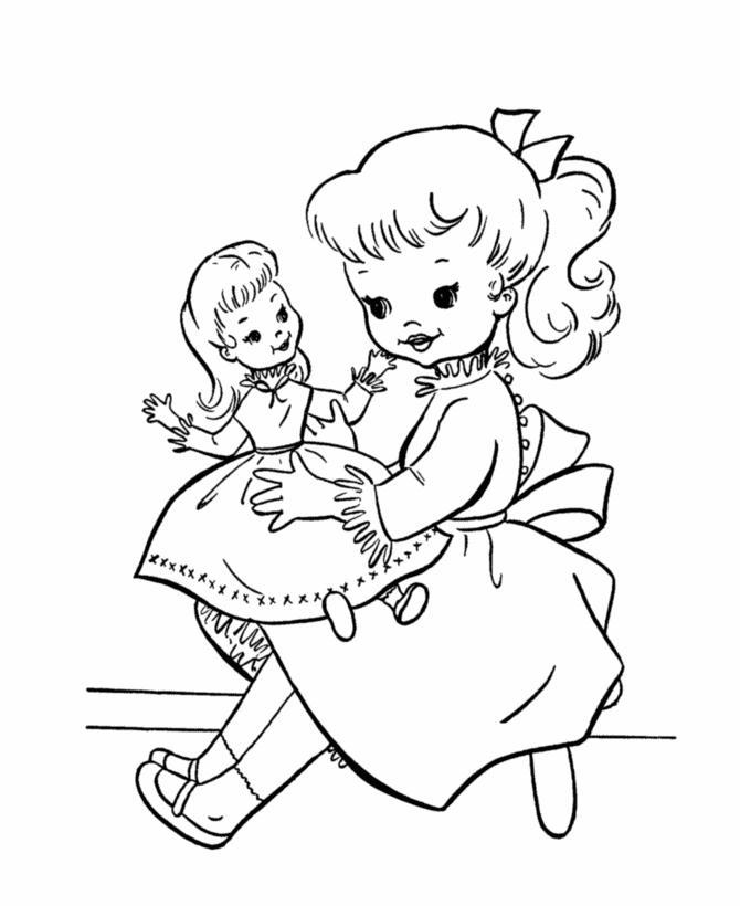 Девочка с куклой Раскраски для девочек онлайн